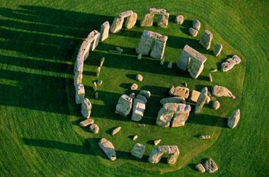 arial photo of Stonhenge